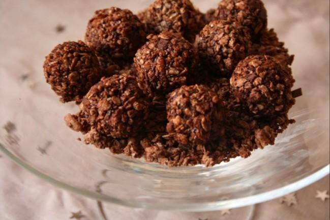 truffes au chocolat et abricots secs